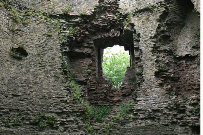 blog image castle wall ruin