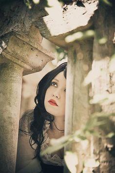 blog image snow white looking
